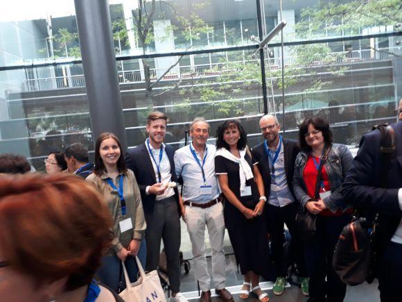 Rabea Sandkaulen, Dr. Sander Garrelfs + Prof. Dr. Jaap Grothoff/Uni- Kliniken Amsterdam, Michaela Sandkaulen, Prof. Dr. Bernd Hoppe/Uni-Klinik Bonn, Dr. Anja Pfau/Charité Berlin)
